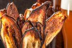 Острые чипсы из баклажана