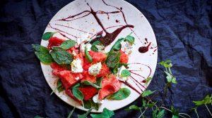 Рецепт Салат с арбузом и сыром Рикотта 16х9 фото