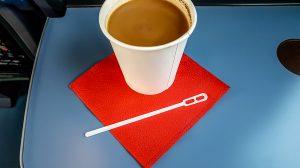 как правильно размещать кофе по этикету фото
