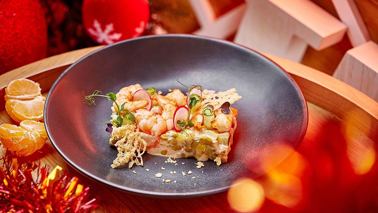 Рецепт оливье с креветками и овощами су-вид фото