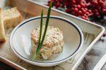 Салат оливье с грудинкой брискет