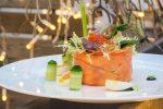 Салат «Оливье» с подкопченным лососем