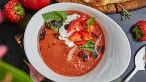 Рецепт гаспачо с клубникой Scrocchiarella